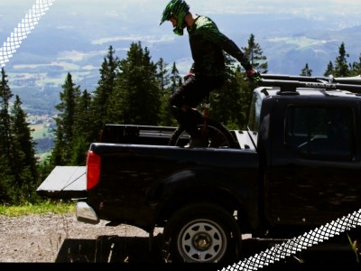 Gerald_Rosenkranz_unicycle_downhill_video